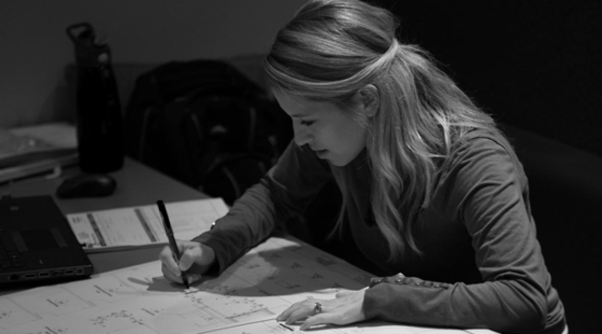 Jennifer-Designing-Stuff—Cropped